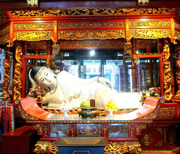 templo buda jade tumbado