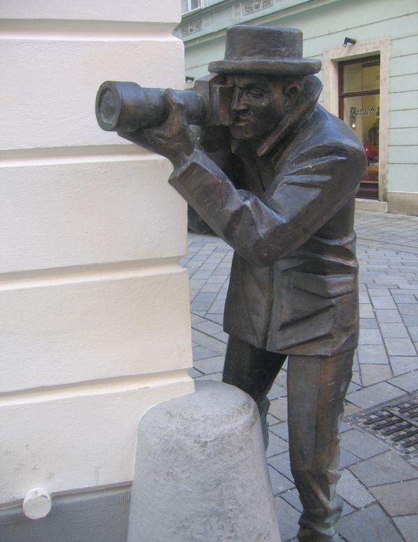 paparazzi estatuas bratislava