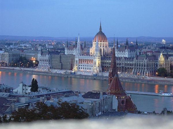pest parlamento