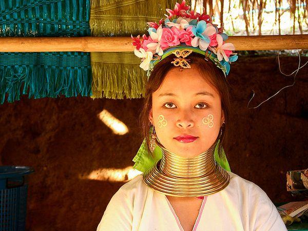 mujeres jirafa tailandia