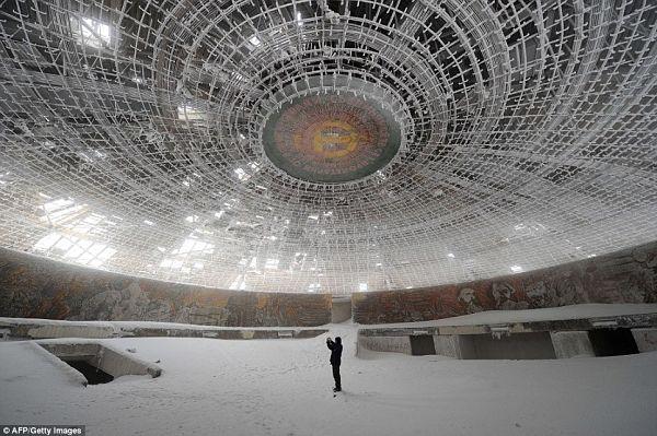 lugares abandonados socialistas bulgaria