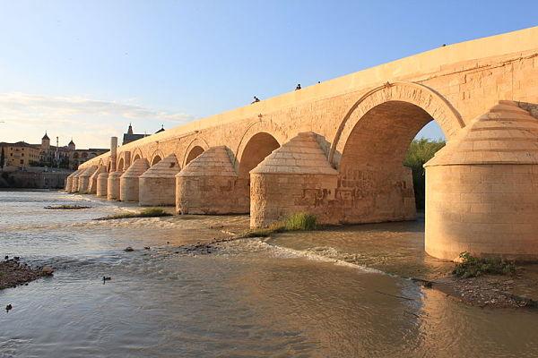 El puente Romano, puerta de entrada al conjunto cultural de Córdoba