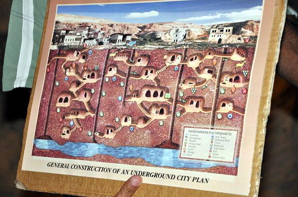 Ejemplo de la ciudad subterránea de Capadocia, Turquía