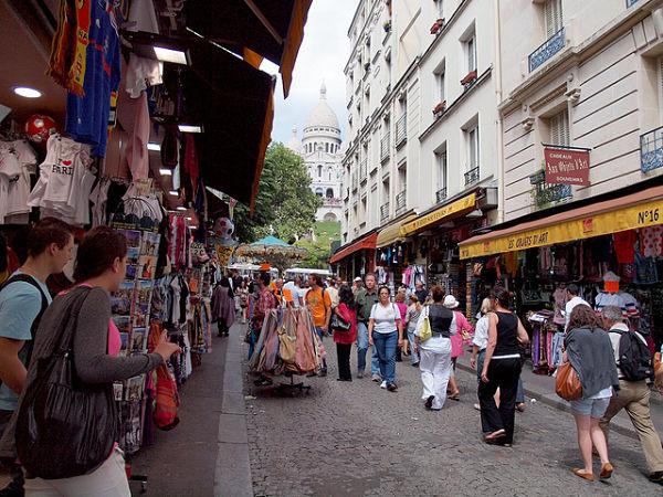 Montmartre Paris souvenirs