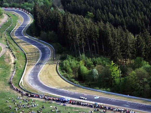Imagen panorámica del trazado lleno de curvas en Nürburgring
