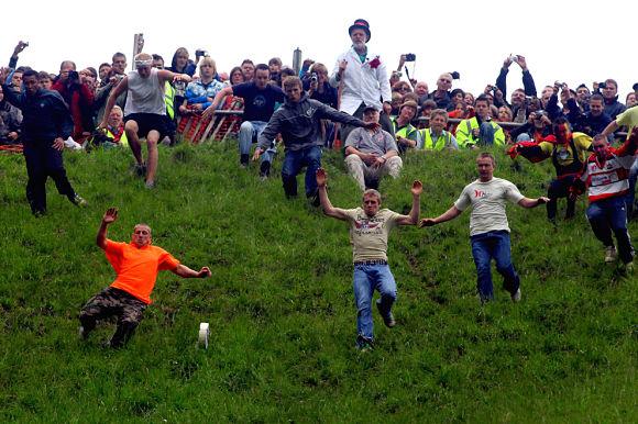 Festival del queso rodante en la colina Cooper, Inglaterra