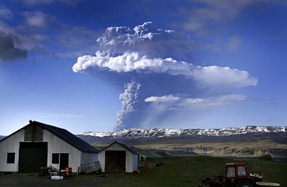 Impresionante imagen de la erupción del volcán Grimsvoetn en Islandia