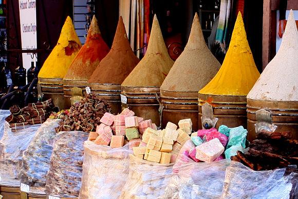 La gastronomía es uno de los puntos fuertes de Marruecos por la intensidad de los sabores en las comidas