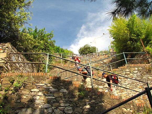 Imagen de la escalinata conocida como Lardarina