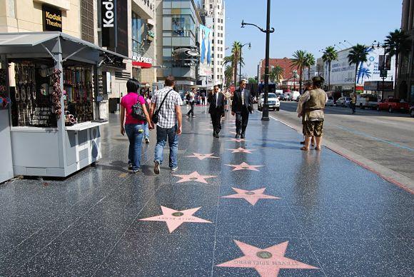 La Calle de las Estrellas de Madrid tendrá como modelo al famoso Paseo de la Fama de Hollywood, aunque sólo con figuras del cine español
