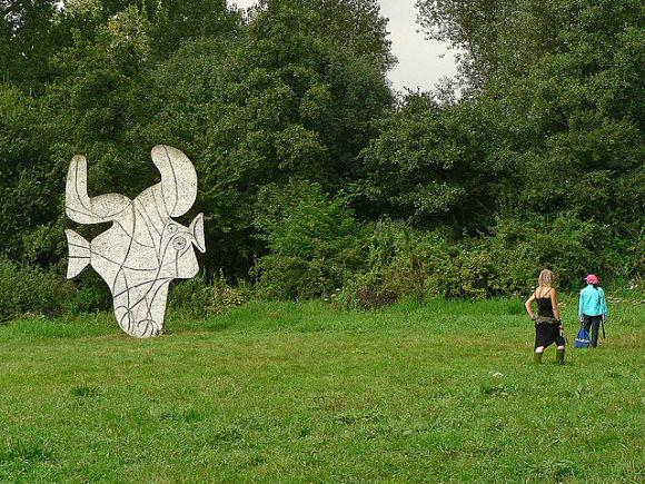 Picasso donó la escultura conocida como El Pez por el centenario del parque