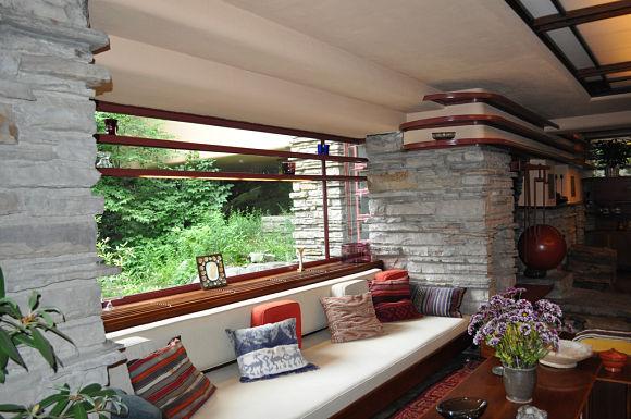 Sala de estar de la Casa de la Cascada