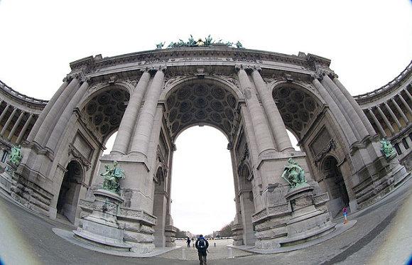 Fotografía del Arco de Triunfo de Bruselas, parque del Cincuentenario