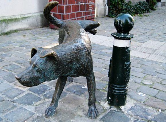 El Manneken Pis tiene una mascota: Zinneke Pis