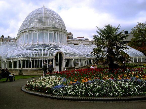 Los Botanic Gardens de Belfast son también una visita más que recomendada para disfrutar de un paseo muy agradable