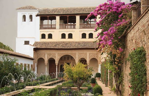 Los jardines de la Alhambra fueron diseñados por los musulmanes para el disfrute de todos los sentidos