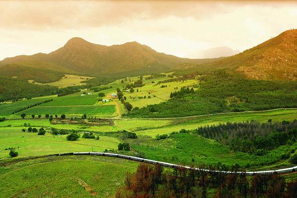 A bordo del Rovos Rail descubriremos bellos paisajes de multitud de ciudades africanas