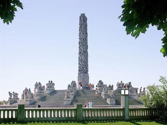 El Parque Vigeland, en la ciudad noruega de Oslo, es el parque de esculturas más grande del mundo