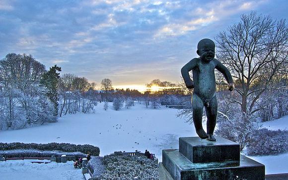 El símbolo de Oslo es el Sinnataggen, una estatua de un niño pequeño en plena rabieta