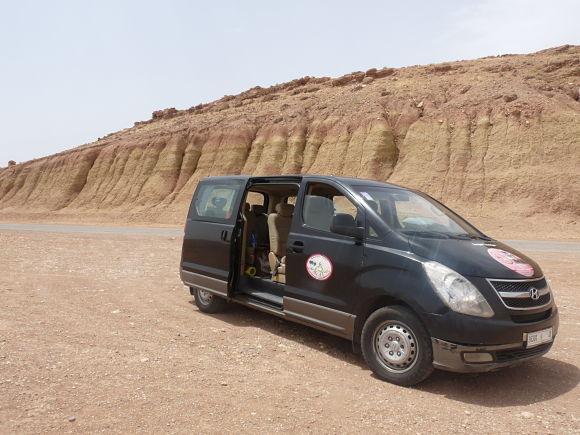 Ejemplo del tipo de vehículo que usan muchas compañías de excursiones para llegar a Merzouga