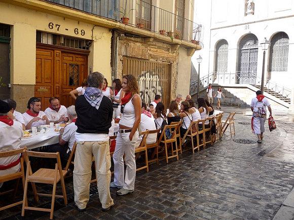 Las cuadrillas se juntan en el tradicional almuerzo antes de dar comienzo los Sanfermines