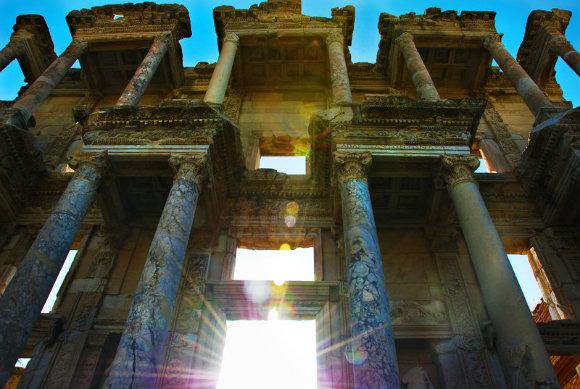 Fachada de la Biblioteca de Celso en la ciudad de Éfeso, Turquía