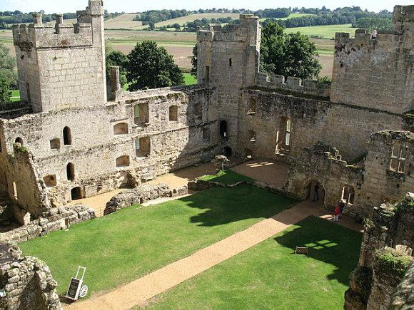 Vistas del castillo de Bodiam desde una de sus torres