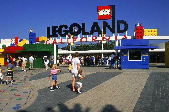 Entrada de Legoland California, el parque dedicado al mundo de Lego