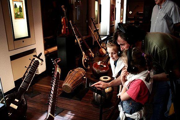 Interior del Museo de Instrumentos Musicales de Bruselas