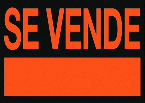 """El cartel de """"Se vende"""" es el más usado últimamente en las agencias de viajes"""