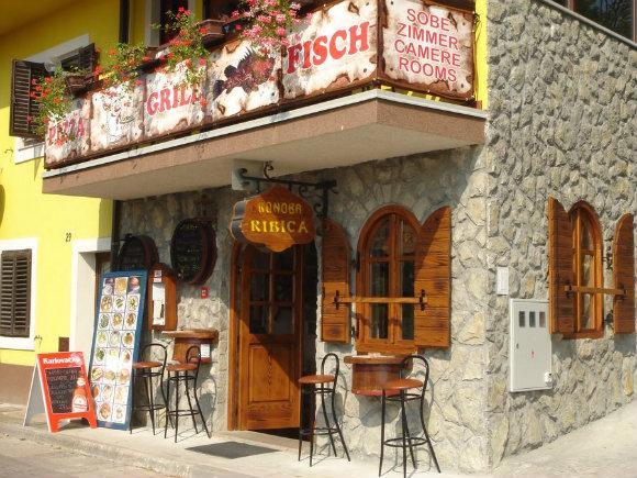 Fachada de uno de los innumerables sobe, zimmer, rooms que encontraremos en Croacia