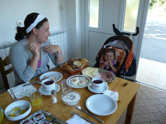 Un buen desayuno en un 'sobe' es todo lo que hace falta para seguir descubriendo Croacia
