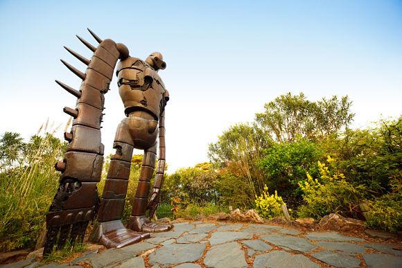 Laputa Castle in the Sky es un enorme soldado robot ubicado en la azotea del Museo Ghibli
