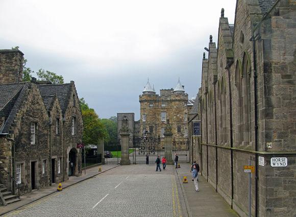 Muchos visitantes se acercan a Holyrood sólo para conocer de cerca las leyendas de fantasmas que giran entorno al Palacio