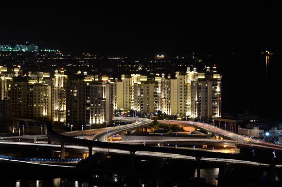 Como en el resto de lugares de Dubai, las Islas Palm cuentan con grandes rascacielos y hoteles muy lujosos