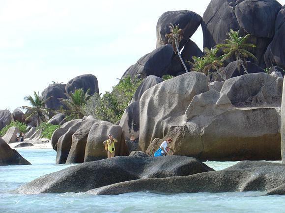 Las rocas de la playa de Anse Source D'Argent se caracterizan por su peculiar y bonita forma