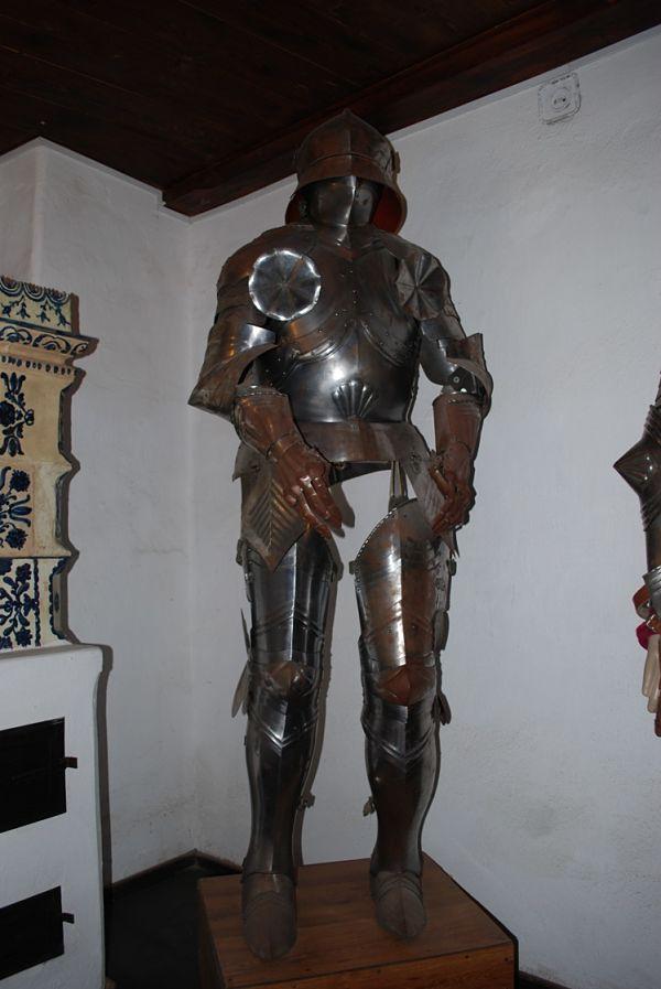 castillo bran salas armadura