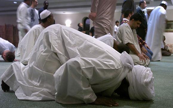 Este mes de agosto es el mes del Ramadán, un fuerte ayuno diario que realizan los fieles a la religión islámica desde el alba hasta que se pone el sol