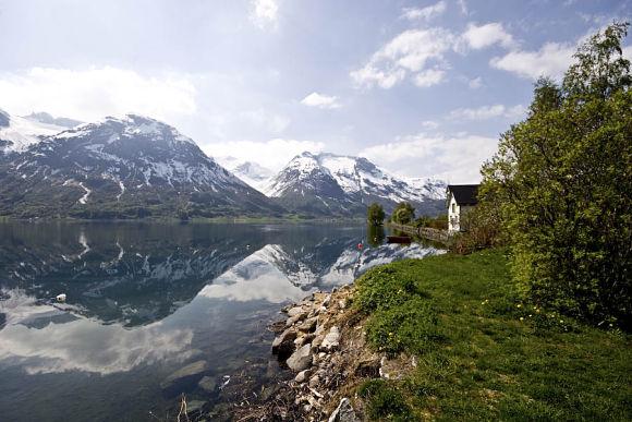 Stryn, un hermoso municipio de Noruega con lagos, fiordos y glaciares alrededor