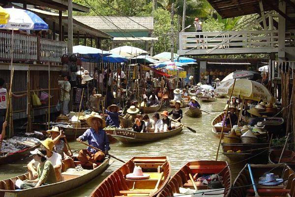 Compras en el mercado de Bangkok