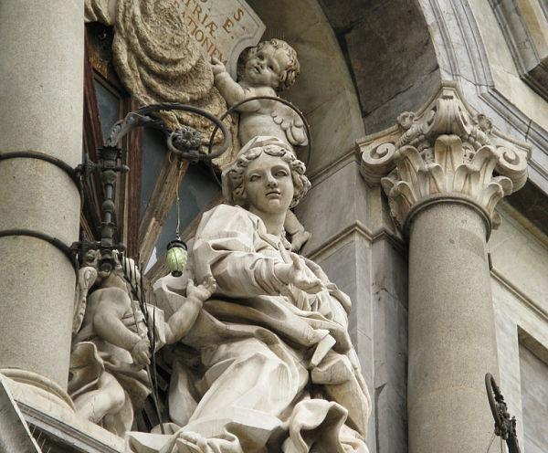 Escultura Santa Ágata Catedral Catania