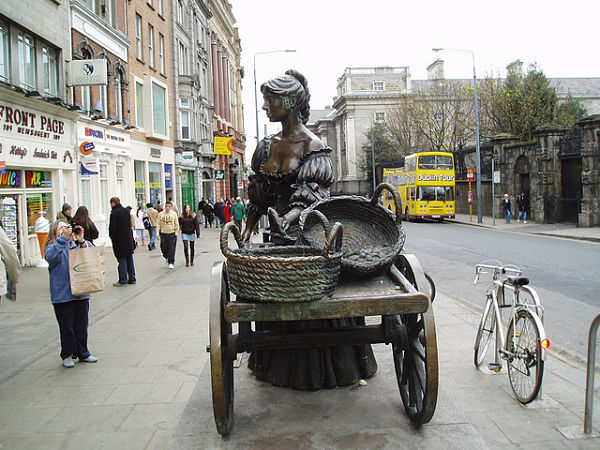 Molly Malone Grafton Street