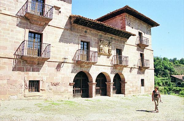 Carmona cantabria palacio