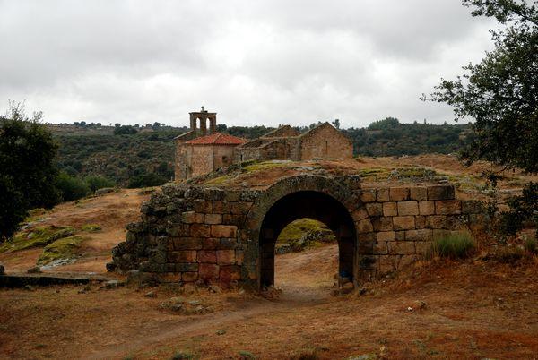 Castelo Mendo Castillo Iglesia