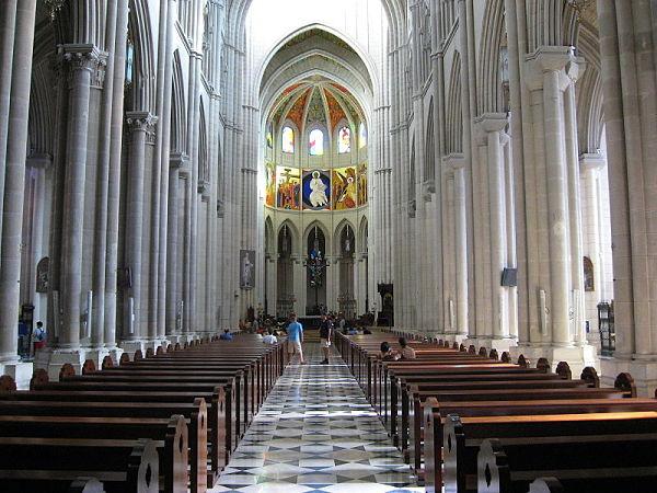 Catedral de la Almudena interior