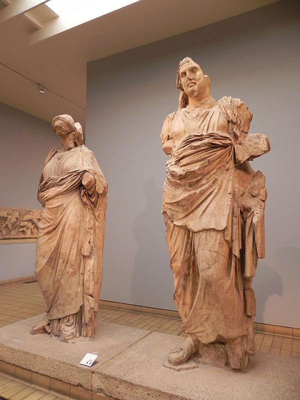 Mausoleo Halicarnicaso estatuas