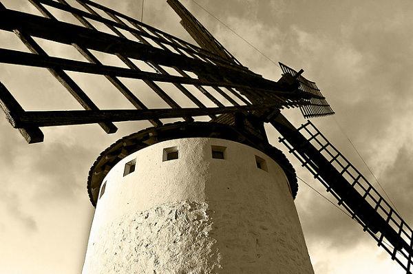 Las aspas de los molinos de viento de Campo de Criptana inspiraron a Cervantes