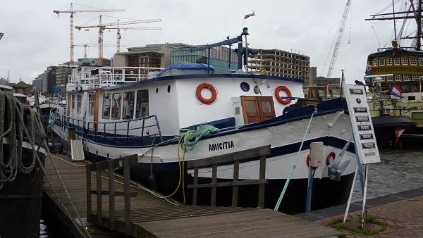 Amicitia el barco en el que me hospedé en Ámsterdam