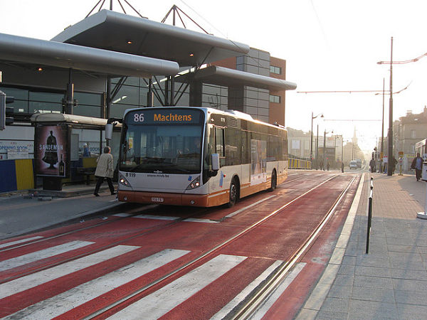 autobus transporte aeropuerto Bruselas