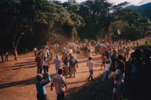 Fiesta Diablitos Boruca Nochevieja Calles